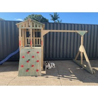 AW004 - KIDS FORT + SWING STRUCTURE
